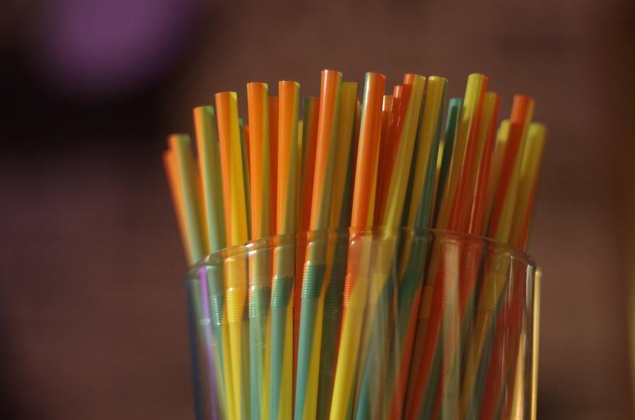 Pela segunda vez, vereador propõe a proibição de canudos plásticos em Guaíba