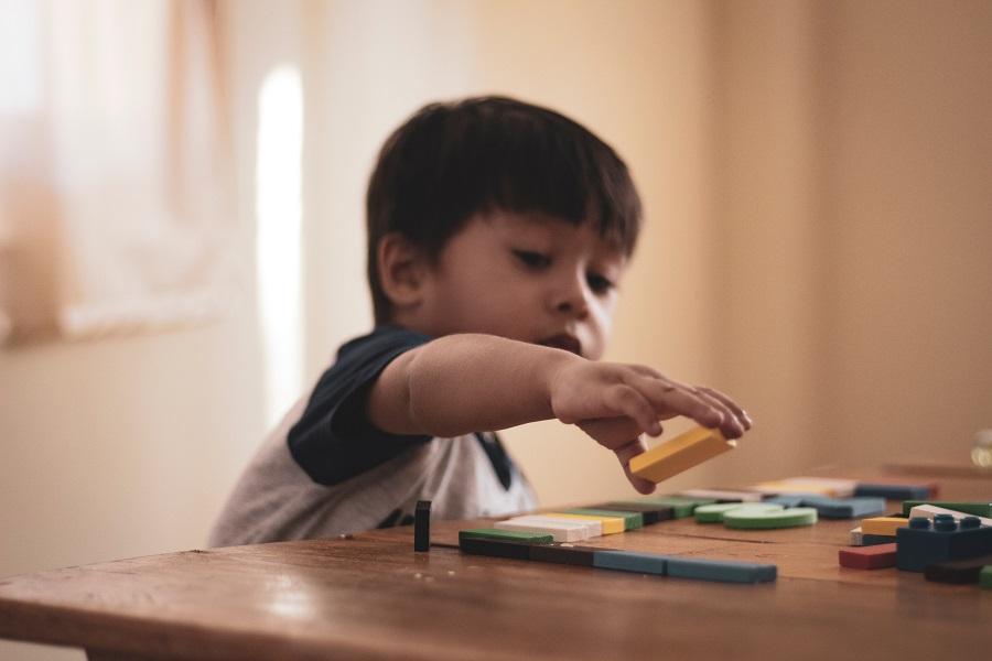 Crianças de 18 a 36 meses terão que fazer triagem precoce para autismo, em Guaíba