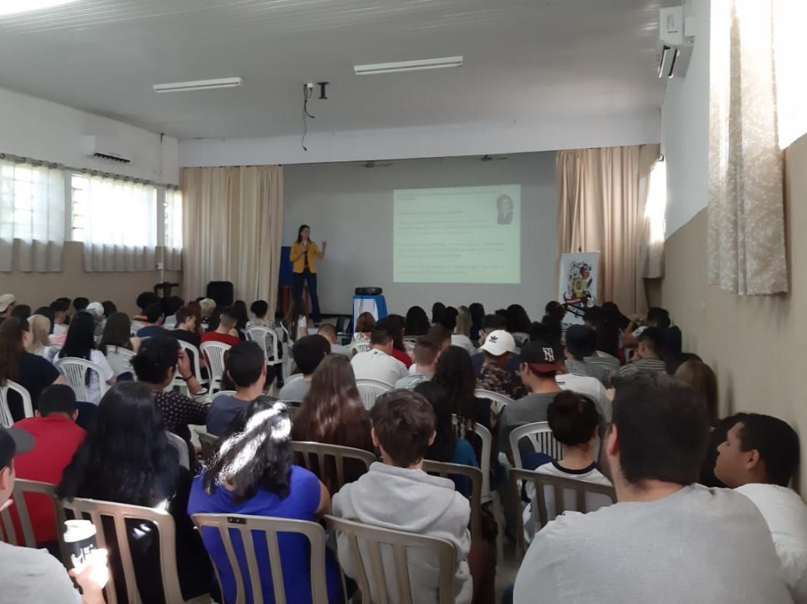 Jornada das Profissões prepara estudantes para mercado de trabalho, ensino técnico e superior