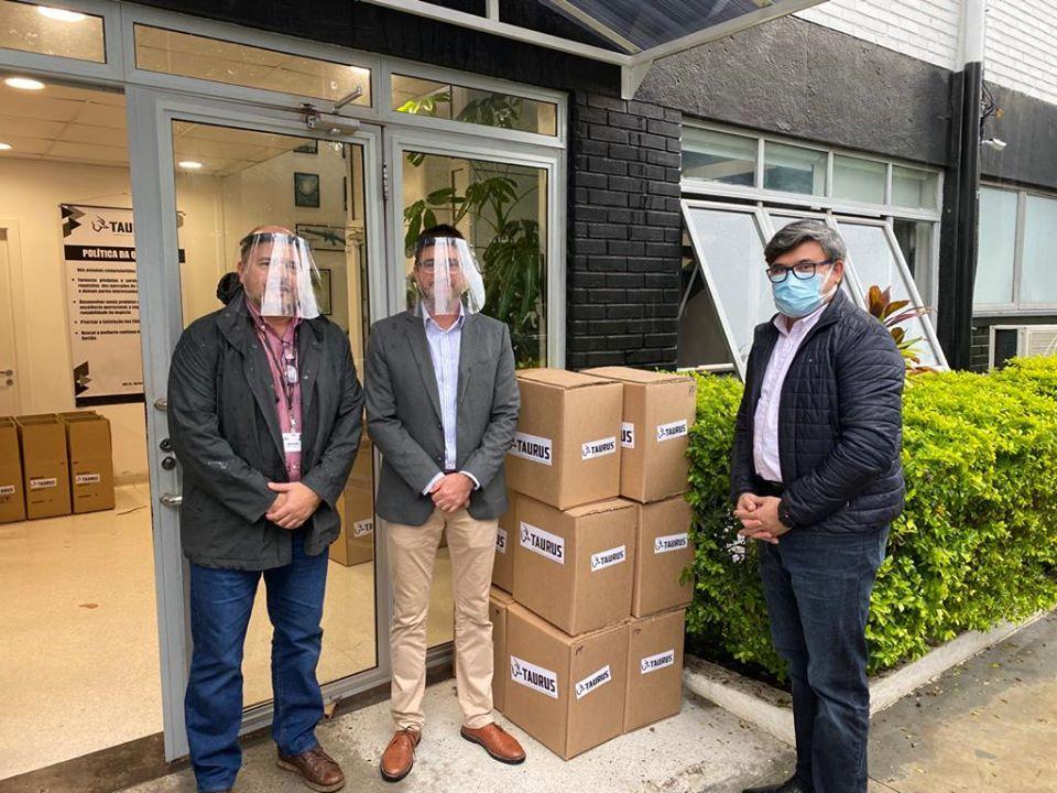 Empresas JSL e Taurus realizam doações de equipamentos de proteção para Guaíba