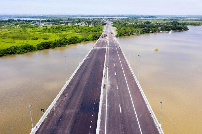 Bolsonaro vem inaugurar trecho da nova ponte do Guaíba nesta quinta (10); veja imagens da fase final das obras