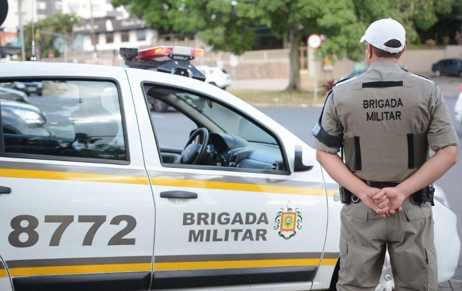 Força tática da BM prende homem com drogas e munições de arma de fogo no bairro Cohab