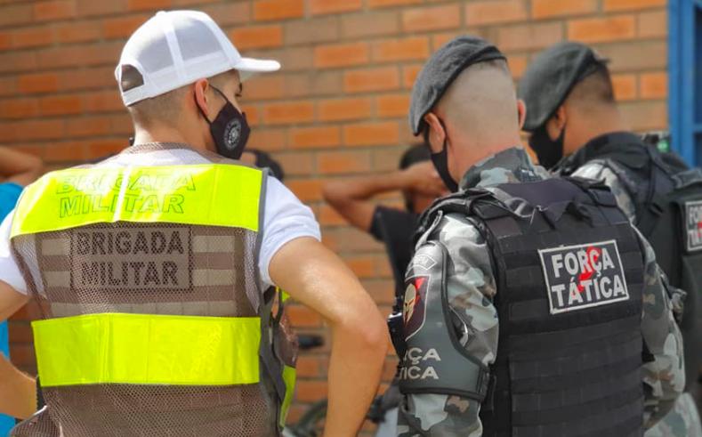 Força Tática realiza barreiras em Guaíba e região com novos soldados da Brigada Militar