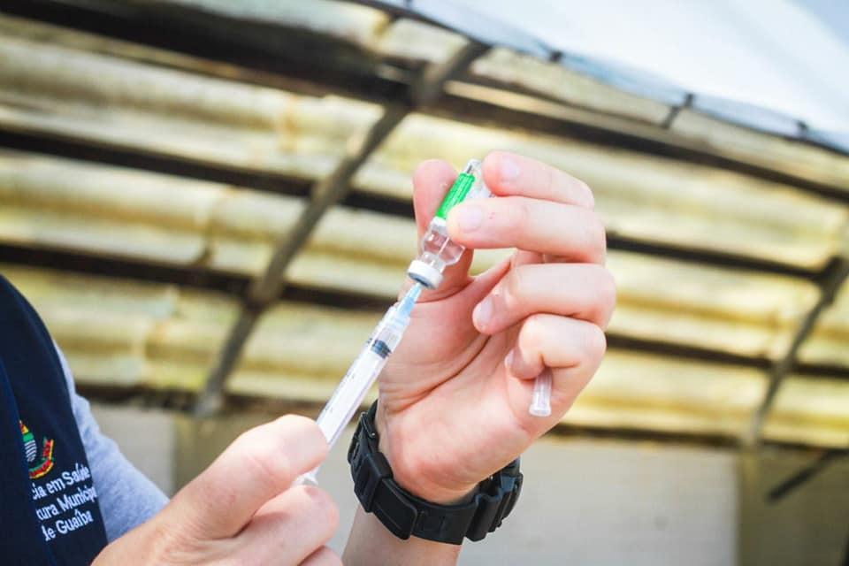 Idosos acima de 67 anos podem se vacinar no dia 1º/4 em Guaíba, incluindo sistema drive-thru