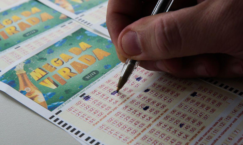 Prazo se encerra na quarta (31) e ganhador da Mega da Virada não retirou prêmio pode perder R$ 162 milhões