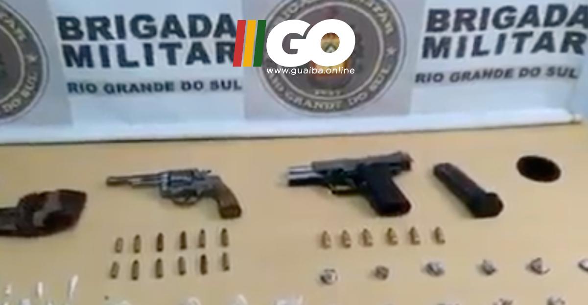BM de Guaíba prende dois por tráfico de drogas e porte ilegal de armas no bairro São Francisco